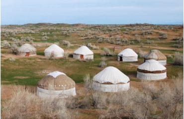 aydarkul_yurts